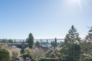 """Photo 3: 2125 LAWSON Avenue in West Vancouver: Dundarave House for sale in """"Dundarave"""" : MLS®# R2329676"""