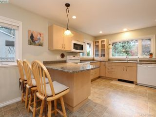 Photo 6: 5450 Alderley Rd in VICTORIA: SE Cordova Bay House for sale (Saanich East)  : MLS®# 773792