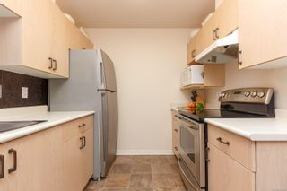 Photo 13: 106 1196 Sluggett Rd in : CS Brentwood Bay Condo for sale (Central Saanich)  : MLS®# 863140