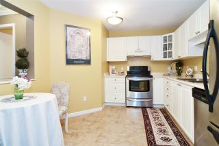 """Photo 4: 313 20894 57 Avenue in Langley: Langley City Condo for sale in """"BAYBERRY LANE"""" : MLS®# R2554939"""