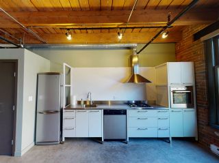"Photo 6: 210 55 E CORDOVA Street in Vancouver: Downtown VE Condo for sale in ""KORET LOFTS"" (Vancouver East)  : MLS®# R2569559"