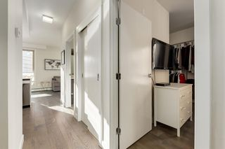 Photo 2: 214 305 18 Avenue SW in Calgary: Mission Apartment for sale : MLS®# A1051694