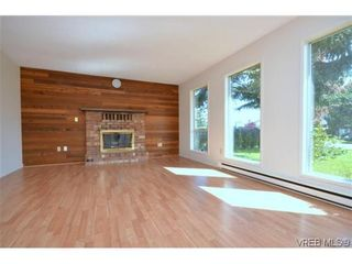 Photo 4: 9606 Epco Dr in SIDNEY: Si Sidney South-West House for sale (Sidney)  : MLS®# 611981