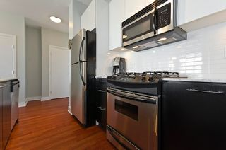 "Photo 13: 404 2828 YEW Street in Vancouver: Kitsilano Condo for sale in ""BEL AIR"" (Vancouver West)  : MLS®# V914119"