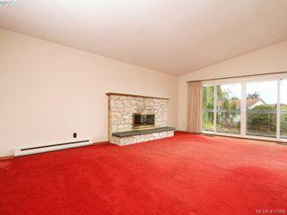 Photo 4: 7960 SEE SEA Pl in SAANICHTON: CS Saanichton House for sale (Central Saanich)  : MLS®# 814976
