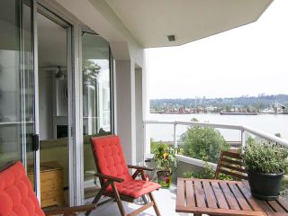 "Photo 18: 907 71 JAMIESON Court in New Westminster: Fraserview NW Condo for sale in ""PALACE QUAY"" : MLS®# R2072471"
