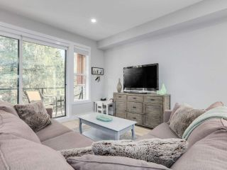 """Photo 5: 20 3618 150 Street in Surrey: Morgan Creek Townhouse for sale in """"VIRIDIAN"""" (South Surrey White Rock)  : MLS®# R2431813"""