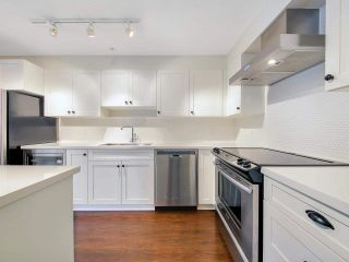 """Photo 5: 110 500 ROYAL Avenue in New Westminster: Downtown NW Condo for sale in """"DOMINION"""" : MLS®# R2592262"""