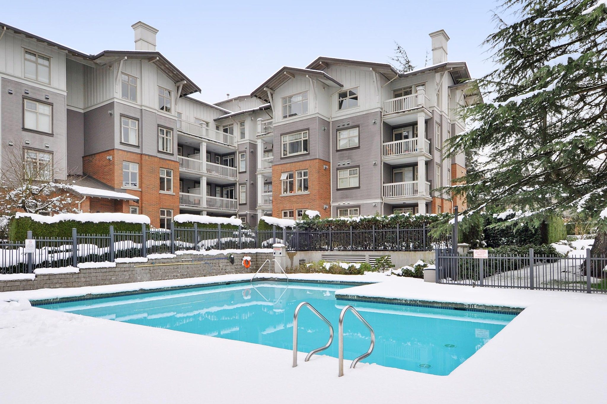 """Photo 15: Photos: 222 2083 W 33RD Avenue in Vancouver: Quilchena Condo for sale in """"DEVONSHIRE HOUSE"""" (Vancouver West)  : MLS®# R2341234"""