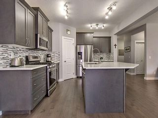 Photo 5: 1737 Baywater Drive SW: Airdrie Detached for sale : MLS®# A1095792