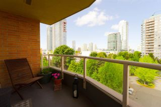 """Photo 1: 605 4689 HAZEL Street in Burnaby: Forest Glen BS Condo for sale in """"THE MADISON"""" (Burnaby South)  : MLS®# R2283645"""