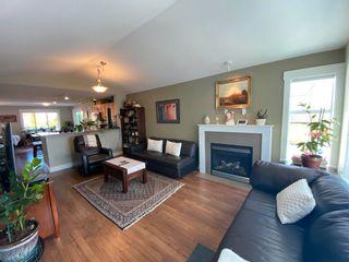 Photo 5: 5628 PETERS Crescent in Sechelt: Sechelt District House for sale (Sunshine Coast)  : MLS®# R2608126