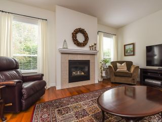 Photo 4: 9 737 ROYAL PLACE in COURTENAY: CV Crown Isle Row/Townhouse for sale (Comox Valley)  : MLS®# 826537