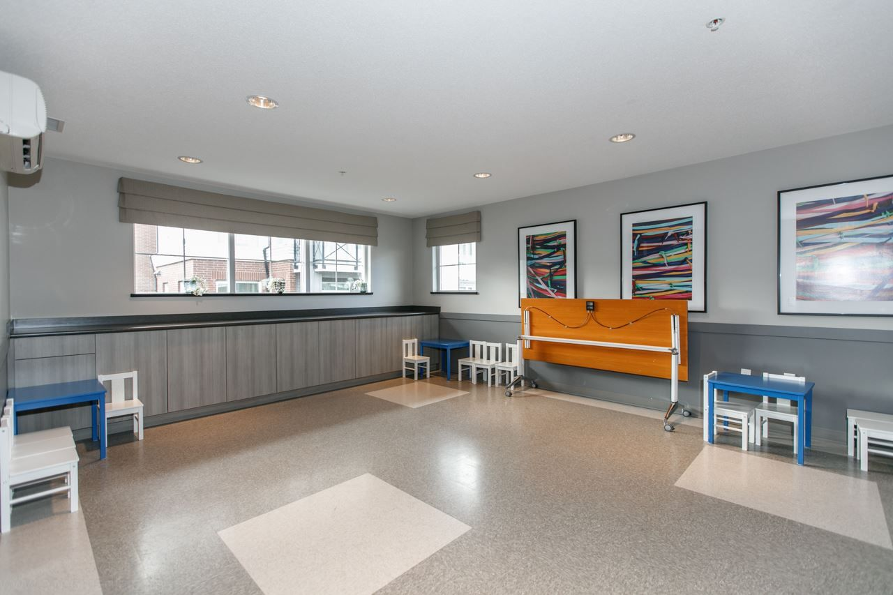 """Photo 16: Photos: 156 9388 MCKIM Way in Richmond: West Cambie Condo for sale in """"MAYFAIR PLACE"""" : MLS®# R2040447"""