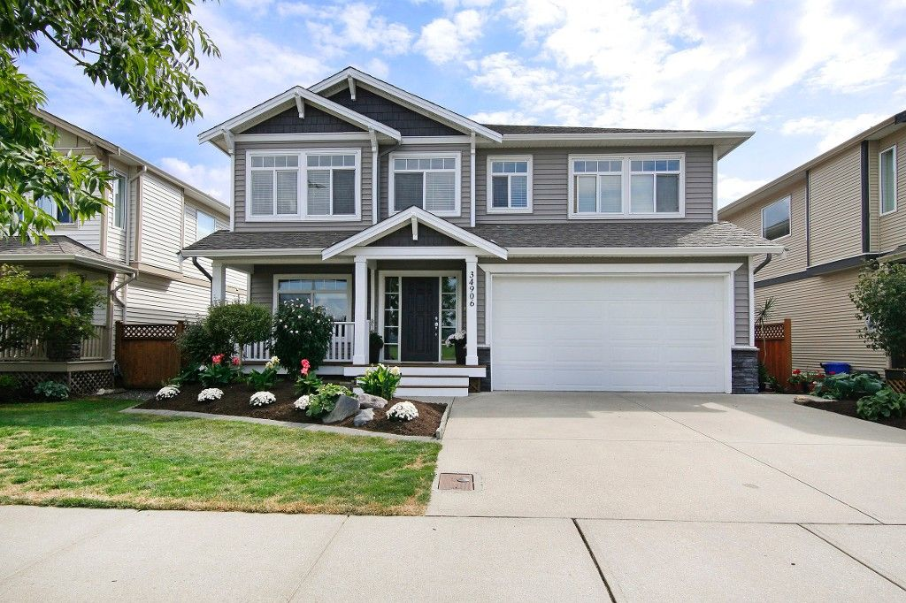"Main Photo: 34906 2ND Avenue in Abbotsford: Poplar House for sale in ""Huntindgon Village"" : MLS®# R2102845"
