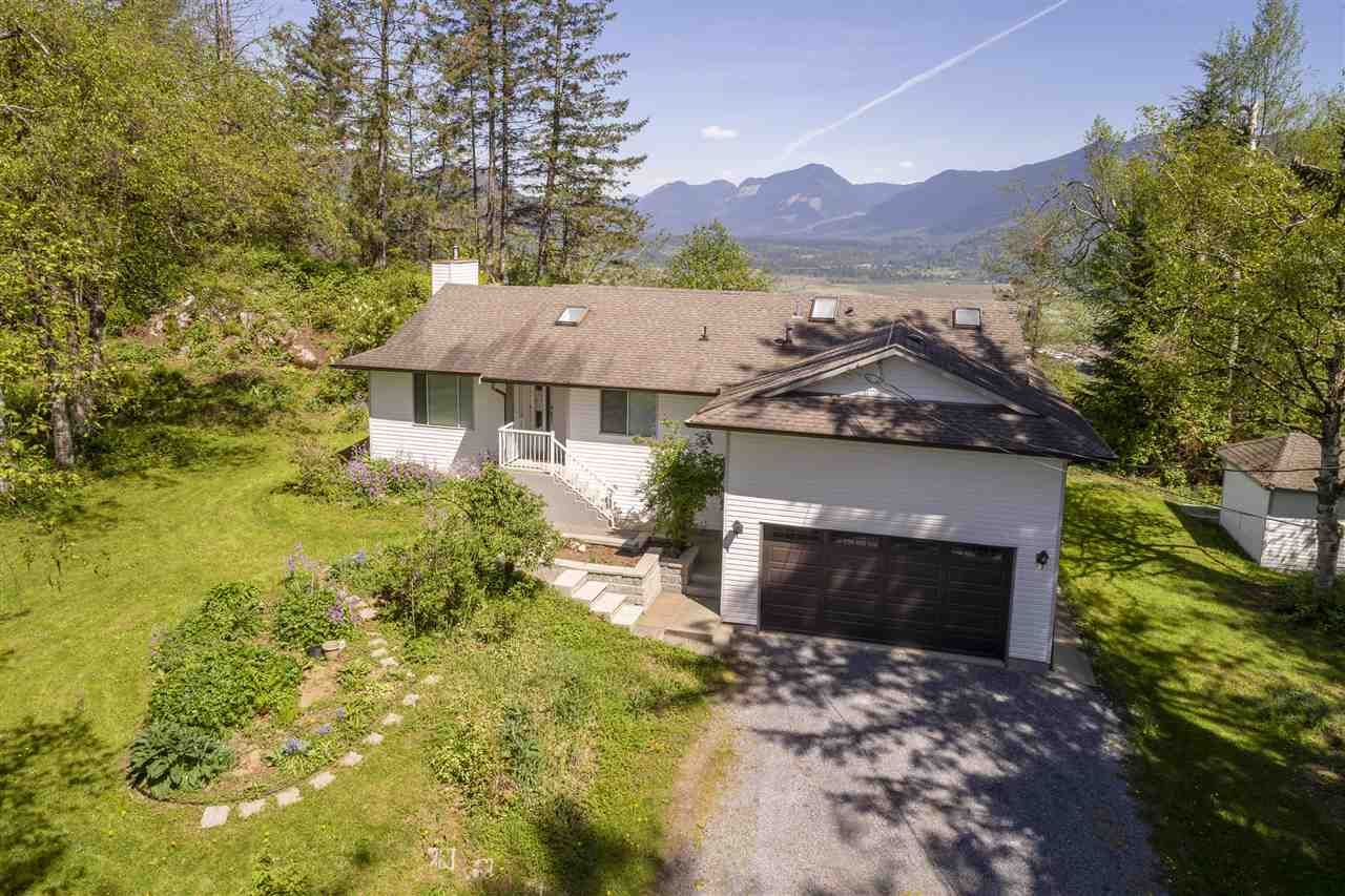 Main Photo: 34951 FERNDALE Avenue in Mission: Hatzic House for sale : MLS®# R2419657