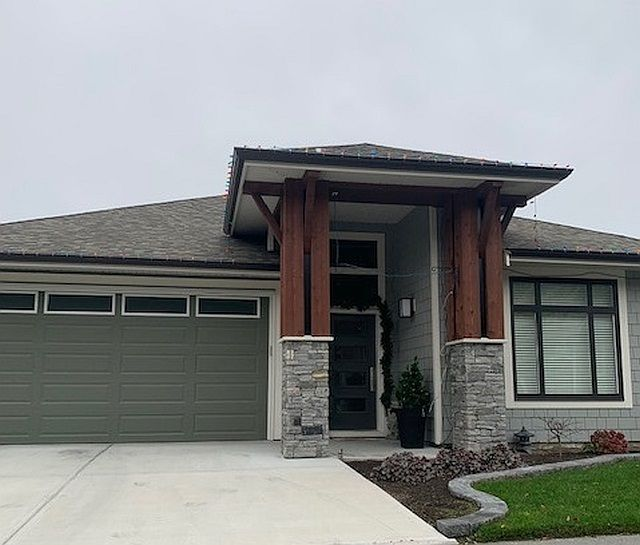 FEATURED LISTING: 95 - 46110 THOMAS Road Chilliwack
