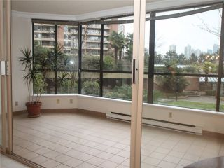 """Photo 4: 102 1470 PENNYFARTHING Drive in Vancouver: False Creek Condo for sale in """"HARBOUR COVE"""" (Vancouver West)  : MLS®# V1038676"""