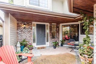 """Photo 3: 2 1872 SOUTHMERE Crescent in Surrey: Sunnyside Park Surrey Townhouse for sale in """"South Pointe on the Park"""" (South Surrey White Rock)  : MLS®# R2584031"""