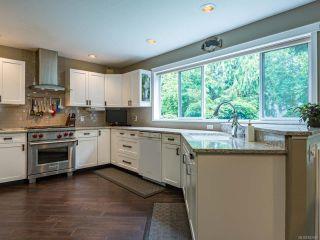 Photo 5: 879 Eastwicke Cres in COMOX: CV Comox (Town of) House for sale (Comox Valley)  : MLS®# 842967