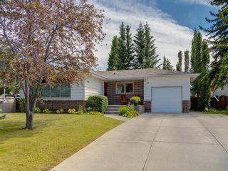 Photo 1: 156 CHEROVAN Drive SW in Calgary: Chinook Park Detached for sale : MLS®# C4306207