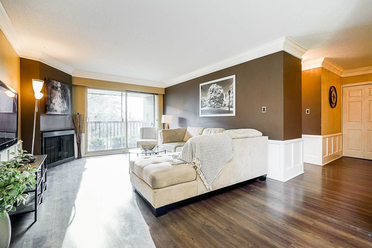"Main Photo: 207 1040 FOURTH Avenue in New Westminster: Uptown NW Condo for sale in ""HILLSIDE TERRACE"" : MLS®# R2533636"