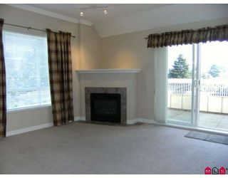 """Photo 2: 404 1685 152A Street in Surrey: King George Corridor Condo for sale in """"SUNCLIFF PLACE"""" (South Surrey White Rock)  : MLS®# F2920850"""