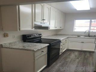 Photo 3: ENCINITAS Condo for sale : 2 bedrooms : 347 Orwell Ln