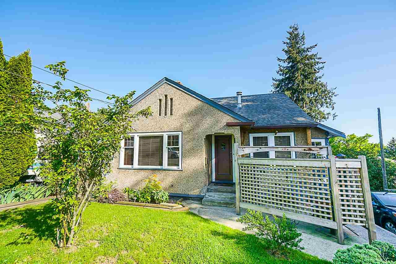 Main Photo: 1516 NANAIMO Street in New Westminster: West End NW House for sale : MLS®# R2366482
