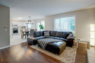 Photo 3: 161 DOUGLASBANK Way SE in Calgary: Douglasdale/Glen Detached for sale : MLS®# A1011698