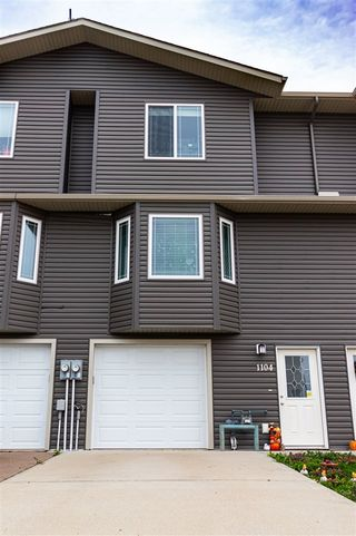 Photo 1: 1104 13 Street: Cold Lake Attached Home for sale : MLS®# E4264410