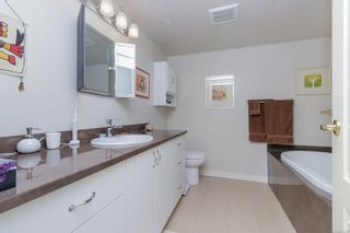 Photo 17: 112 55 Songhees Rd in : VW Songhees Condo for sale (Victoria West)  : MLS®# 876548
