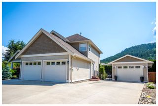 Photo 3: 1890 Southeast 18A Avenue in Salmon Arm: Hillcrest House for sale : MLS®# 10147749