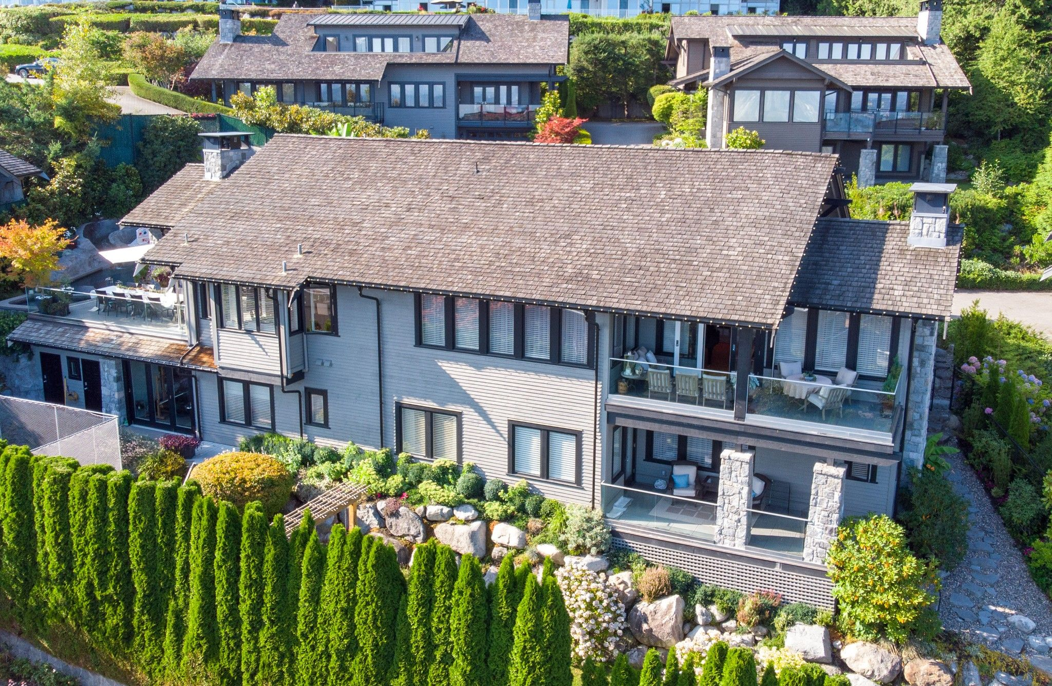 Main Photo: 2236 BOULDER COURT: House for sale : MLS®# R2400285