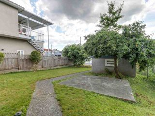 """Photo 13: 4281 VICTORIA Drive in Vancouver: Victoria VE House for sale in """"CEDAR COTTAGE"""" (Vancouver East)  : MLS®# R2151080"""