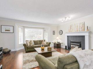 Photo 2: 20341 WALNUT Crescent in Maple Ridge: Southwest Maple Ridge House for sale : MLS®# R2199123