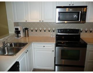 """Photo 3: 303 5800 ANDREWS Road in Richmond: Steveston South Condo for sale in """"THE VILLAS AT SOUTHCOVE"""" : MLS®# V737479"""