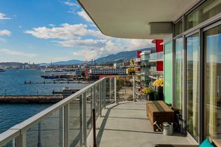 """Photo 24: 701 199 VICTORY SHIP Way in North Vancouver: Lower Lonsdale Condo for sale in """"TROPHY AT THE PIER"""" : MLS®# R2509292"""