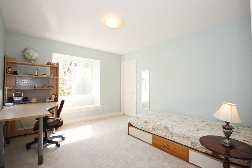 Photo 24: Photos: 2292 137 Street in Surrey: Elgin Chantrell House for sale (South Surrey White Rock)  : MLS®# F1311873