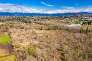 Photo 11: 26148 56 Avenue in Langley: Salmon River House for sale : MLS®# R2448504