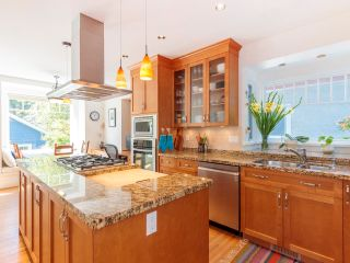 """Photo 16: 3878 W 15TH Avenue in Vancouver: Point Grey House for sale in """"Point Grey"""" (Vancouver West)  : MLS®# R2625394"""