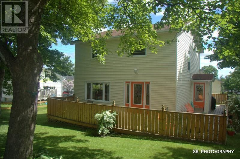 Main Photo: 20 Fraizes Avenue in Carbonear: House for sale : MLS®# 1232752