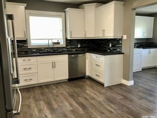 Photo 4: 303 Park Drive in Nipawin: Residential for sale : MLS®# SK855428