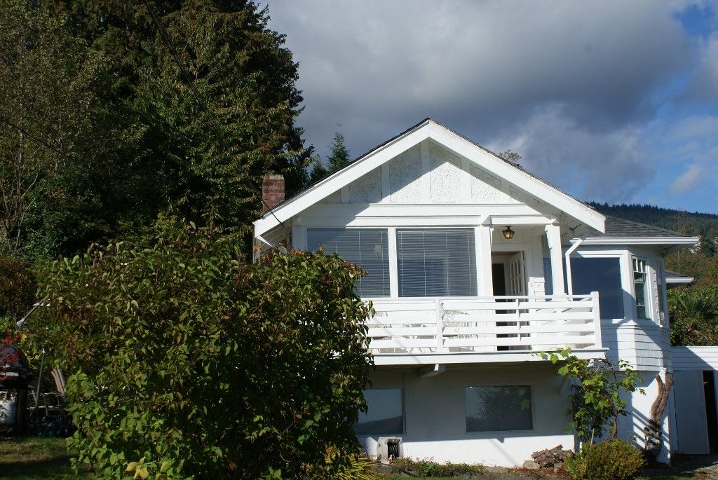 Photo 4: Photos: 2595 Lawson Avenue in West Vancouver: Dundarave House for rent