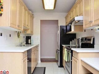 """Photo 5: 106 20240 54A Avenue in Langley: Langley City Condo for sale in """"ARBUTUS COURT"""" : MLS®# F1224337"""