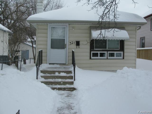 Main Photo: 321 Berry Street in WINNIPEG: St James Single Family Detached for sale (West Winnipeg)  : MLS®# 1402979
