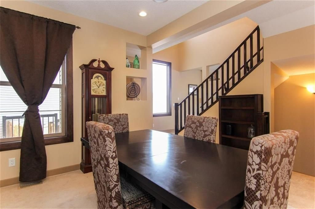 Photo 5: Photos: 21 CRANBERRY Cove SE in Calgary: Cranston House for sale : MLS®# C4164201