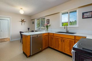 Photo 19: 2045 Beaufort Ave in : CV Comox (Town of) House for sale (Comox Valley)  : MLS®# 884580