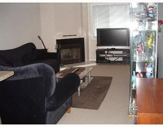 """Photo 4: 301 1209 HOWIE Ave in Coquitlam: Central Coquitlam Condo for sale in """"CREEKSIDE MANOR"""" : MLS®# V645617"""