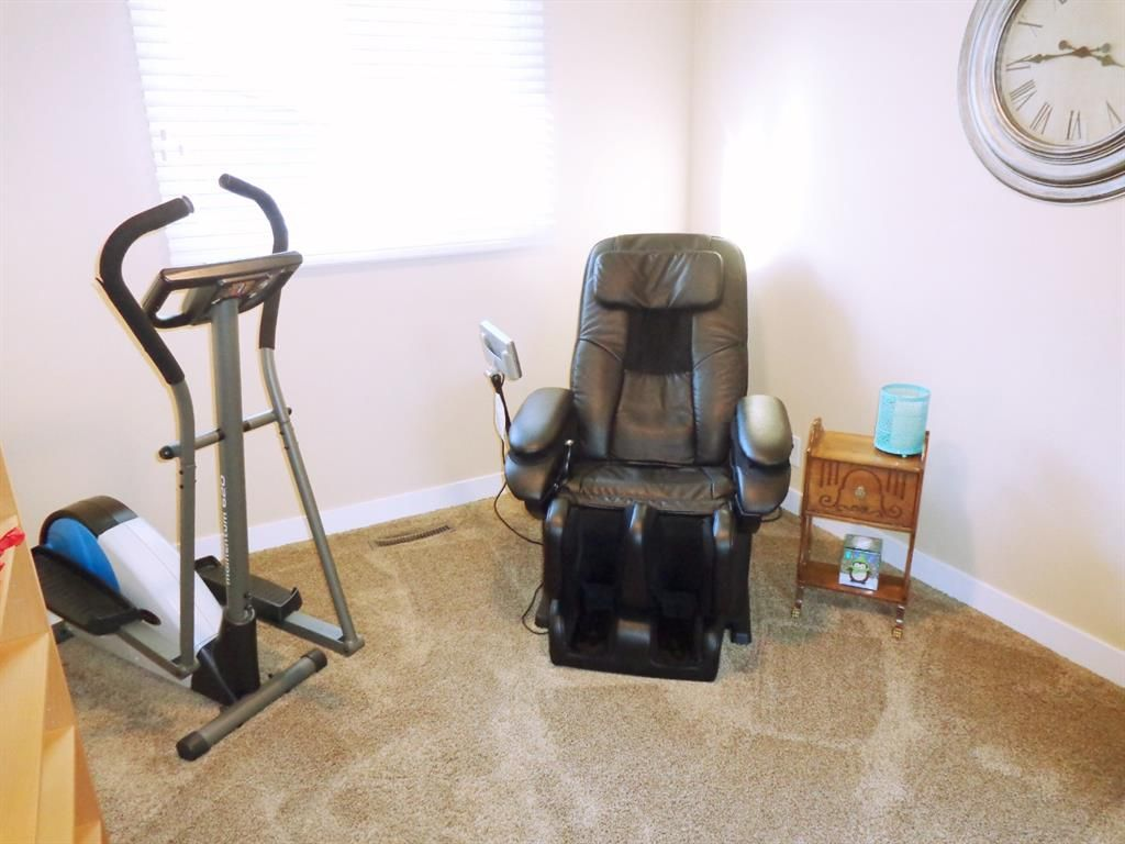 Photo 13: Photos: 5856 West Park Crescent in Red Deer: West Park Residential for sale : MLS®# A1067266